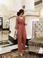 เสื้อผ้าแฟชั่นเกาหลี New arrival ... Don't Miss!! Normal Ally Present Classy Lace Jumpsuit