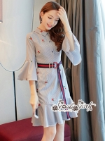 เสื้อผ้าแฟชั่นเกาหลี Lady Ribbon Thailand Seoul Secret Say'...T-Shirt Strip Fluted Embroidery Fabric Lace Dress