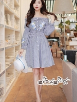 เสื้อผ้าแฟชั่นเกาหลี Lady Ribbon Thailand Seoul Secret Say'...Erin Off Shoulder Breakdown Flower Pattern Dress