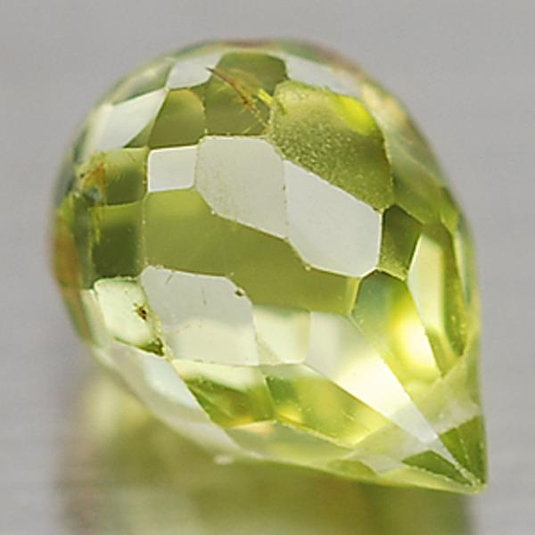พลอยเพอริดอท (Peridot) พลอยธรรมชาติแท้ น้ำหนัก 1.83 กะรัต