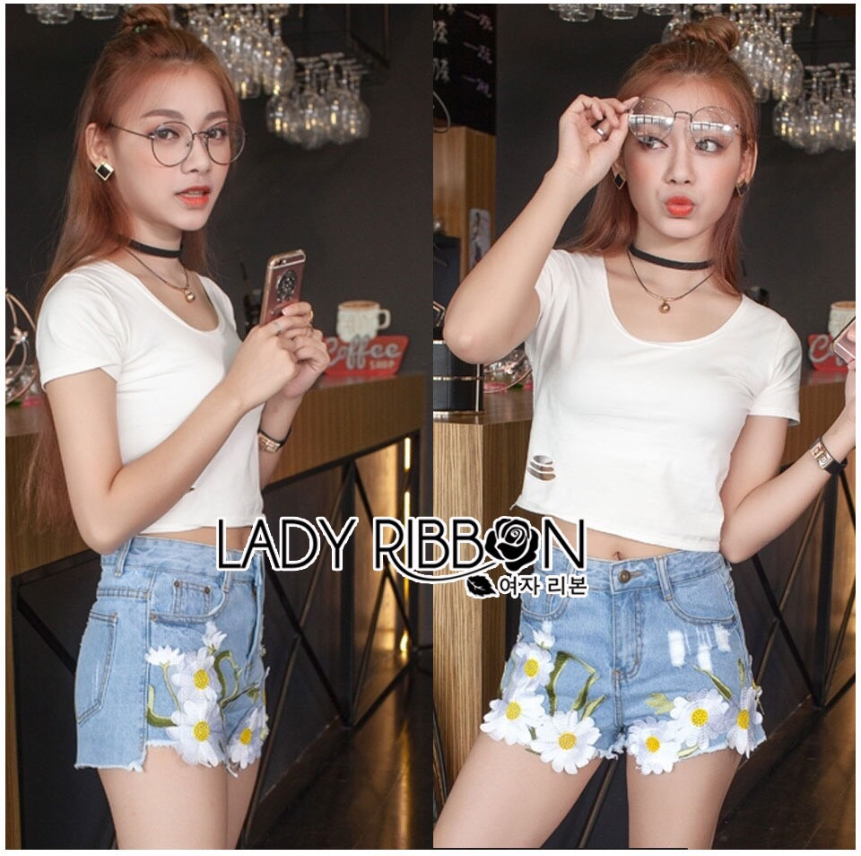 Lady Ribbon Korea Denim LR15200616 &#x1F380 Lady Ribbon's Made &#x1F380 Lady Sophie Summer Daisy Embroidered Denim Hot Pants