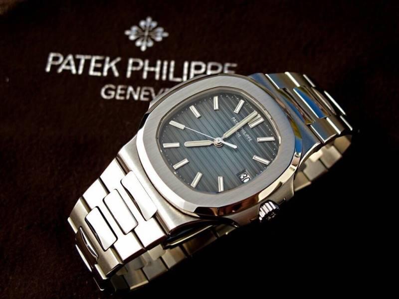 นาฬิกา Patek Philiipe Nautilus 5711 ก๊อปเกรด Mirror และ เกรด Swiss