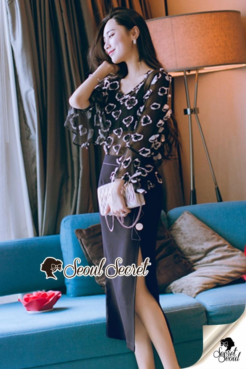 เสื้อผ้าแฟชั่นเกาหลี Seoul Secret Say's... Chiffon Two Tone Flora Bell Blouse