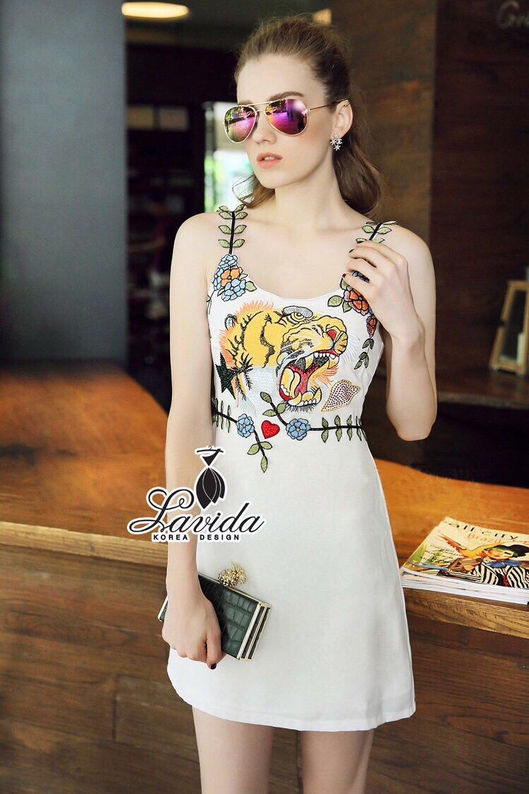 Lady Ribbon Korea Design LV04200616 &#x1F36DKorea Design By Lavida Tigery embriodered leaf shoulder white beautiful dress