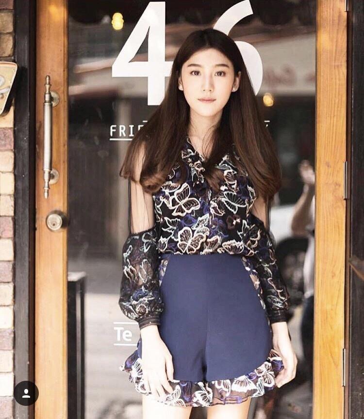เสื้อผ้าแฟชั่นเกาหลี Lady Ribbon Thailand Normal Ally Present Th. new collection playsuit