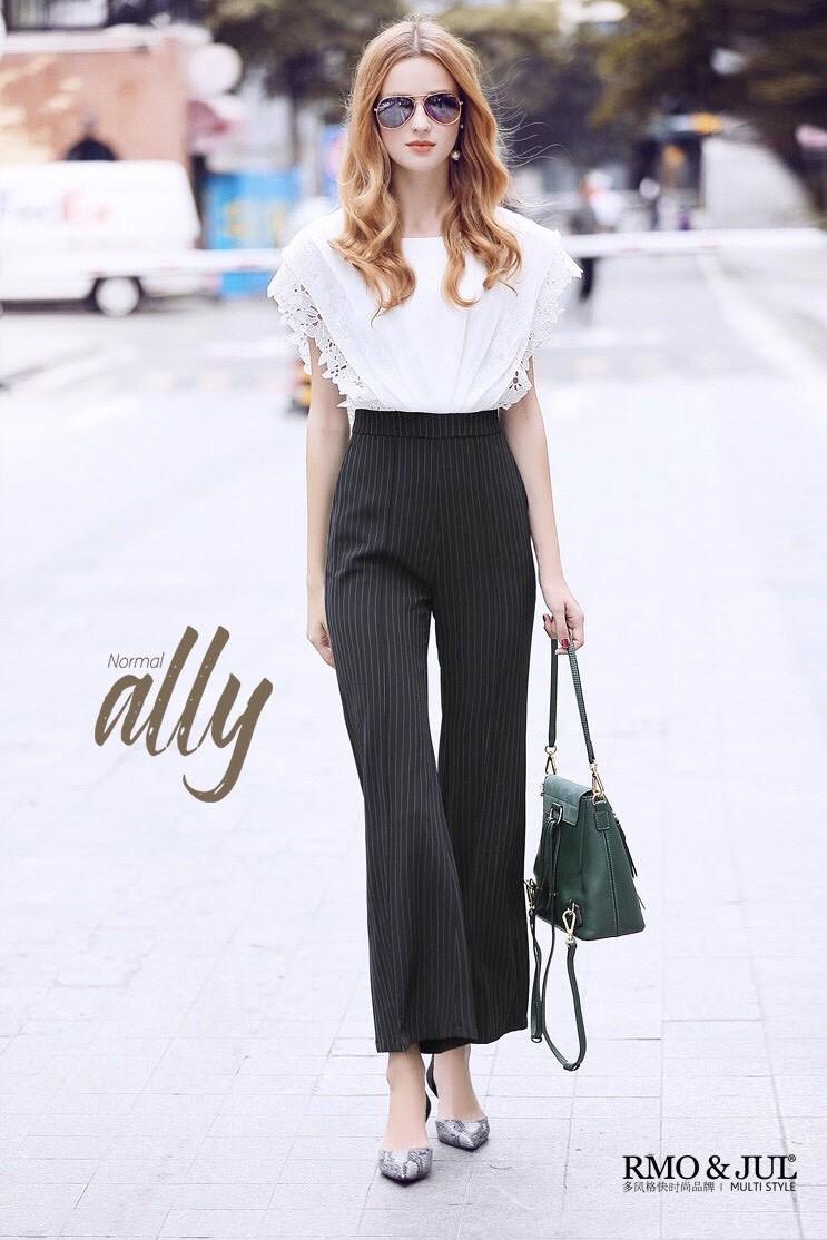 เสื้อผ้าแฟชั่นเกาหลี Lady Ribbon Thailand Normal Ally Present Boutique and classy playsuit