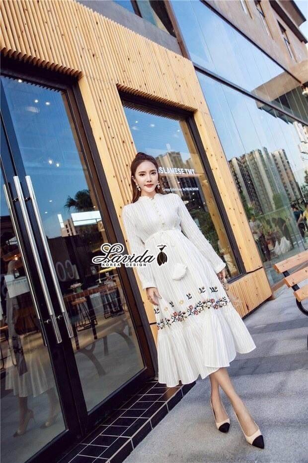เสื้อผ้าแฟชั่นเกาหลี Lady Ribbon Thailand Korea Design By Lavida Ivory floral embroidery maxi dress code3002