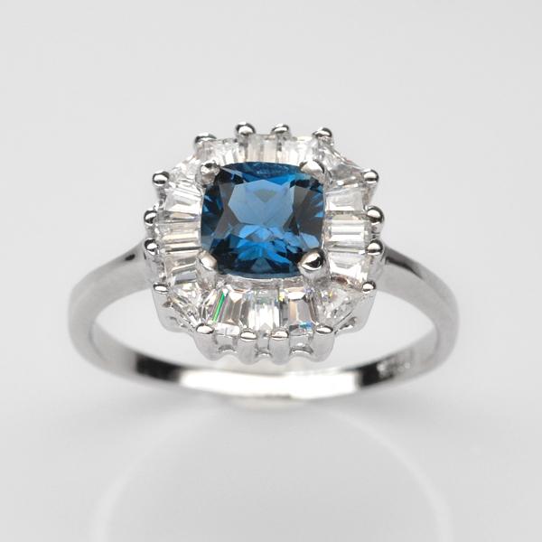 แหวนพลอยแท้ แหวนเงินแท้925 ชุบทองคำขาว พลอยลอนดอนบลูโทแพซ ประดับเพชร CZ