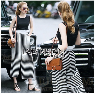 Lady Ribbon Korea Dress Korea Closet LR04300616 &#x1F380 Lady Ribbon's Made &#x1F380 Lady Celina Minimal Chic Cropped Top and Striped Pants Set
