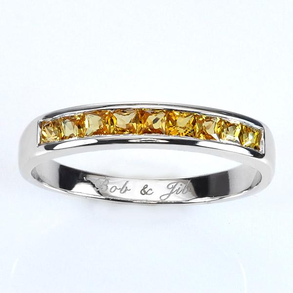 แหวนสลักชื่อ ฝังพลอยบุษราคัมแท้ ตัวเรือนเงินชุบทองคำขาว
