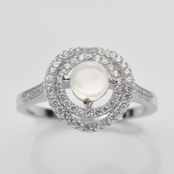 แหวนพลอยแท้ แหวนเงินแท้ชุบทองคำขาว ฝังพลอยมูนสโตนล้อมเพชร CZ เกรดพรีเมี่ยม