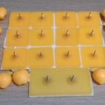 หมุดติดม่านกันยุงแบบเทปกาวสองหน้า(หมุดเทป) สีเหลืองอมส้ม