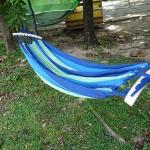เปลญวนนอนผ้าสลับสีขอบไม้สีขาวอ่อน (ห่วงแขวนแข็งแรง)