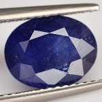 พลอยไพลิน (Blue Sapphire) พลอยธรรมชาติแท้ น้ำหนัก 4.05 กะรัต