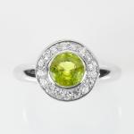 แหวนพลอยแท้ แหวนเงินแท้ 925 พลอยแท้เพอริดอท ล้อมด้วยเพชร CZ ชุบทองคำขาว