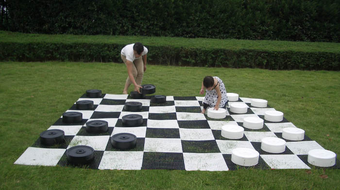 Standard Garden Checkers Set with Plastic Board